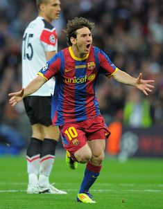 Barcelona's Argentinian forward Lionel Messi celebrates after scoring. Fc Barcelona, Barcelona Players, Lionel Messi Barcelona, Barcelona Soccer, Uefa Champions League, Marvel Contest Of Champions, Messi 2010, Candy Crush Saga, Fifa
