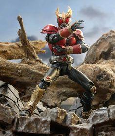 SIC Rising Mighty KUUGA Kamen Rider Kabuto, Robot Cartoon, Japanese Superheroes, Robot Concept Art, Toys For Boys, Power Rangers, Figurative Art, Action Figures, Character Design