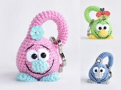 Jetzt die wunderbaren Tropfen /// Tröpfli-Schlüsselanhänger zum Behalten und Verschenken häkeln. Probiers gleich aus mit Wolle + Häkelnadel. Viel Vergnügen.