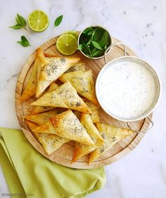 Vegetarian Indian Samosas Recipe - an easy to make quick appetizer to please the whole family Delicious served as party appetizers entrees or snacks by birdsparty This post is sponsored by Idaho Spuds Quick Appetizers, Appetizers For Party, Appetizer Recipes, Party Recipes, Indian Food Recipes, Real Food Recipes, Ethnic Recipes, Vegetarian Curry, Vegetarian Recipes