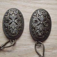 Oval Viking Apron Dress Turtle Brooch Set 1 13/16L