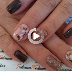 Meninas, peço a ajuda de vocês, Curta ❤ e principalmente comente ? Hot Nails, Hair And Nails, Nail Polish Designs, Nail Art Designs, Vanessa Nails, Short Nails Art, Minimalist Nails, Cute Acrylic Nails, Nail Art Hacks