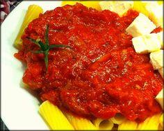 The easiest tomato sauce!