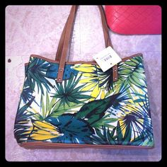 Nine West tropical purse NWT So cute for summer! NWT firm on price! Nine West Bags Shoulder Bags