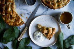 APPLE PIE MIT MOHNTEIG Apple Pie, Nom Nom, French Toast, Breakfast, Sweet, Desserts, Drinks, Ideas, Worth It