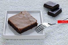 La torta cioccolatina è un dolce facilissimo e veloce, senza glutine, con soli 4…