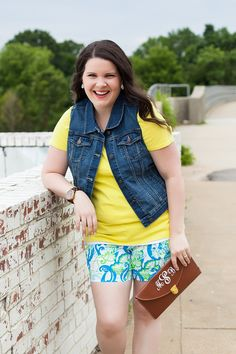 @lillypulitzer  Crystal Coast Callahan shorts, @oldnavy  denim vest, Carolina blue @TOMS