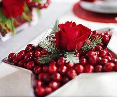 Christmas cranberry centerpiece Cranberry Centerpiece, Centerpiece Ideas, Simple Centerpieces, Holiday Centerpieces, Wedding Centerpieces, Simple Christmas, Christmas Décor, Xmas, Christmas Parties