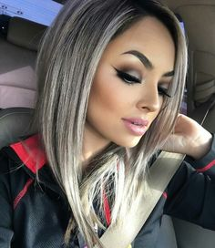 Her haircolor and cut, I love! Also her makeup is gorgeous!