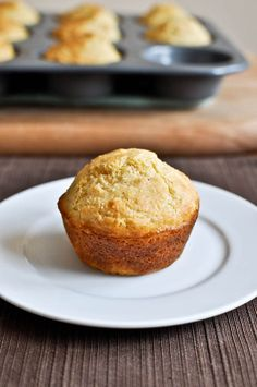 Need to make these with a big pot of chili soon. cheddar + brown sugar cornbread muffins. yum!