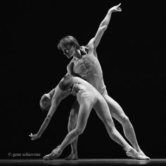"Iana Salenko Яна Саленко (Staatsballett Berlin Berlin State Ballet) and Daniil Simkin Даниил Симкин (American Ballet Theatre), ""La Plue"" (rehearsal) choreography by Annabelle López Ochoa, Indianapolis City Ballet: 2016 Evening With the Stars, Murat Theatre at Old National Centre, Indianapolis, Indiana, USA (November 12, 2016) - Photographer Gene Schiavone"