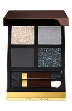 Tom Ford eyeshadow quad features four complementary shades that give you a range of looks from bold to smoky, or sexy to subtle