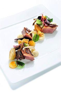 Eend van de Hoeve van Sauvenière met vergeten groenten en knolselderrisotto