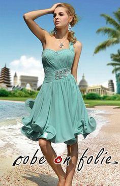 5ea5957d3d5 Sublime robe de cocktail courte en mousseline avec bustier plissée et  soigneusement strass à la taille
