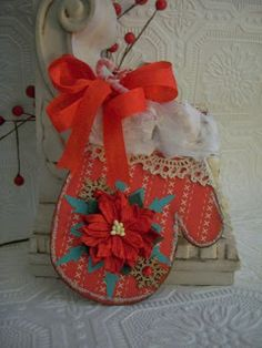 CraftDee1: Here are a few tags I made using Gina's Designs Chip board mitten ornament