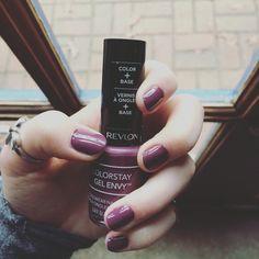Revlon ColorStay Gel Envy : 460 HOLD 'EM