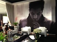 Print any high resolution image and create extraordinary rooms! Visit our showroom @ Doral.