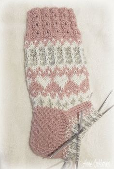 Sydänsukat Crochet Socks, Knitting Socks, Knit Crochet, Cute Socks, Knitting Projects, Handicraft, Needle Felting, Runes, Socks