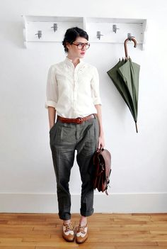 I love this geeky look... Summer pants