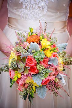 Vibrant succulent bouquet. #succulentbouquet