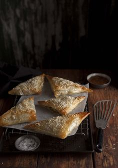 I came across Bobotie phyllo pies at the Biscuit Mill Market a few months ago and knew right away I was going to make my own version of these. I'm particularly keen on working with phyllo. Turnover Recipes, South African Recipes, Healthy Meals For Two, Snack Recipes, Snacks, Food Pictures, Food Inspiration, Love Food, Food Photography