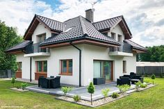 "Zdobywca II miejsca w wiosennej edycji konkursu fotograficznego ""Twój Dom w obiektywie"" Beautiful House Plans, Beautiful Home Designs, Bungalow House Design, Modern House Design, Roof Styles, House Styles, Patio Deck Designs, Home Entrance Decor, My House Plans"