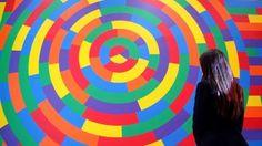 """Lavoro Bari  Il murale che domina la sala Mura è stato realizzato dallartista americano ma manca la certificazione che lo attesti. Lui è morto nel 2007: il destino...  #LavoroBari #offertelavoro #bari #Puglia Bari il giallo del Sol LeWitt mai riconosciuto: """"Senza la sua firma l'opera del Comune vale zero"""""""