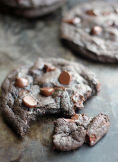 Spicy Dark Chocolate and Cinnamon Cookies - Baker Bettie