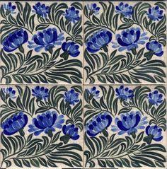 William Morris - Art on Tiles, Hand Painted Tiles Art And Craft Design, Art Deco Design, Design Crafts, Tile Design, William Morris Art, Victorian Tiles, Vintage Tile, Arts And Crafts Movement, Tile Art