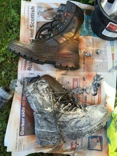 Distressing Costume for Post-Apocalyptic LARP Cosplay Tutorial, Cosplay Diy, Cosplay Costumes, Cosplay Ideas, Apocalypse Costume, Apocalypse Fashion, Apocalypse Survival, Post Apocalyptic Costume, Post Apocalyptic Fashion