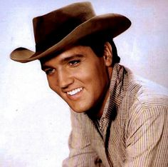 ELVIS IN A PUBLICITY PHOTO FOR FLAMING STAR 1960