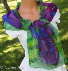 Silk scarf - Purple-Violet Hydrangea by SonshineSilksbyAngie on Etsy Lilac, Lavender, Hydrangea Colors, Butterfly Kisses, Floral Bouquets, Shades Of Purple, Silk Chiffon, Trending Outfits, Shawl