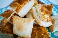 Toffifee-Pralinen - ein sündiges Mitbringsel - Tasty-Sue Camembert Cheese, Dairy, Bread, Food, Chocolate Candies, Food And Drinks, Brot, Essen, Baking