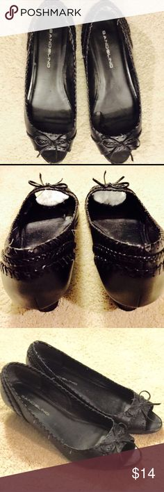 "Black Leather Peep Toes Black Leather Peep Toes 1.5"" Bandolino heels with bow. Bandolino Shoes"
