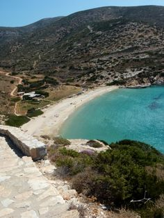 View to Kendros beach, Donoussa island, Cyclades, Greece Places In Greece, Greek Beauty, Greek Islands, Homeland, More Photos, Beaches, Europe, Water, Outdoors