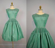 1950s dress / 50s Shirred Shamrock Green Polished Cotton Party Dress