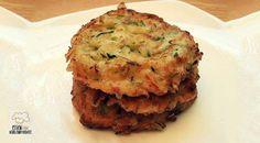 Low Carb Rezept für Low-Carb Zucchini Pancakes. Wenig Kohlenhydrate und einfach zum Nachkochen. Super für Diät/zum Abnehmen.