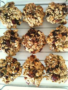 Protein Trail Mix Cookies- the best protein cookies i've found Protein Cookie Recipe, Protein Cookies, Protein Snacks, Healthy Sweets, Healthy Snacks, Healthy Recipes, Eat Healthy, Healthy Living, Yummy Snacks