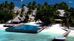 Denizin, güneşin ve kumsalın tadına asla doyamayacağız bir yer olan Maldivler özellikle balayı çiftleri için yeni bir hayata başlangıcı anlamlı kılıyor.