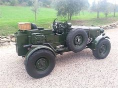 Read More About Land Rover Single Seater Bentley Tribute Land Rover Serie 1, Land Rover Defender, Cool Trucks, Cool Cars, Moab Jeep, Badass Jeep, Expedition Vehicle, Car Colors, Four Wheel Drive