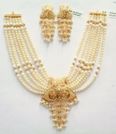 693 new photos · Album by Karan Chauhan Indian Wedding Jewelry, Indian Jewelry, Pearl Jewelry, Beaded Jewelry, Gold Jewelry, Pearl Choker, Pearl Necklace, Urban Jewelry, Chevron Necklace