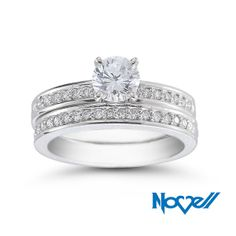 Platinum is ideal for bridal jewelry worn every day because it exhibits little material loss, even after prolonged wear. Platinum can also be refinished without losing mass.