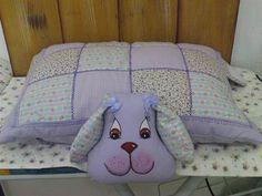 Almofada que vira travesseiros de bichinho. Confeccionamos em diversas formas de bichinhos. Tecido 100% algodão com enchimento acrilico anti-alergico. R$55,00