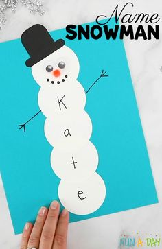 Name Snowman Preschool Craft and Free Printable crafts Preschool Christmas Crafts, K Crafts, Preschool Projects, Kindergarten Crafts, Daycare Crafts, Winter Crafts For Kids, Classroom Crafts, Preschool Art, Snowman Craft Preschool
