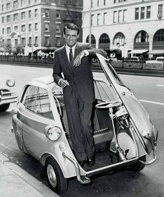 Some style lasts thru time. Cary Grant poses with a late BMW Isetta. Wanna go for a spin, Cary? Bmw Isetta, Cary Grant, Classic Hollywood, Old Hollywood, Hollywood Actor, Lambretta, Bmw Classic Cars, Small Cars, Actors