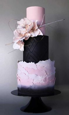 Unique Wedding Cake Trends & New Cake Designs The new wedding cakes o. Unique Wedding Cake Trends & New Cake Designs The new wedding cakes of this year are breathtaking! Black Wedding Cakes, Unique Wedding Cakes, Beautiful Wedding Cakes, Gorgeous Cakes, Wedding Cake Designs, Pretty Cakes, Purple Wedding, Lace Wedding, Unique Cakes
