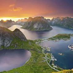Lo spettacolo delle Isole Lofoten, Norvegia
