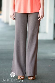 Spend all day in bold bright style when you slip into our crisp Oceanside Linen Pants. Perfect to wear when hitting your favorite vacation spot or just running around town. The loose wide leg cut of the pants is flattering and provides excellent comfort. Wear casually with a tank or over-sized dolman tee, or dress your up look with statement jewelry and wedges.Colors AvailableBlackCoralNavyWhiteMochaOliveLight PinkKhakiDenim BlueLight BlueJadeSizes:Small (2-6)Me...