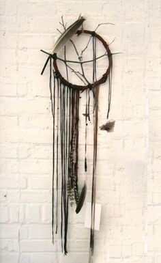 DIY dreamcatcher, perfect summer camping project