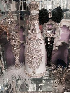 2 Wedding & Quinceanera champaign royal glasses and bottle Glitter Champagne Bottles, Bling Bottles, Glitter Glasses, Liquor Bottle Crafts, Diy Bottle, Bottle Art, Wedding Bottles, Wedding Glasses, Bedazzled Bottle